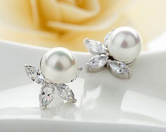 Bridal Earrings, Wedding Earrings, Ivory Pearl Stud Earrings, Vintage Style Earrings, Bridal Jewelry, Crystal Pearl Earrings, UK Seller