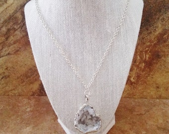 White Agate Necklace. Large Stone Slice. 26 Inch Length. Natural Stone Necklace. Silver Edge. Long Necklace. Druzy Agate. 1.5 in. Length