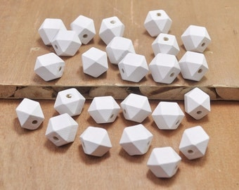 50pcs White Wood Beads,Polygonal 15mm Hand painted Beads, Make jewellery for selling,14 Hedron Geometric Natural Wood Beads.