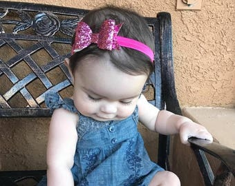 Pink glitter headband, pink headband, glitter bow headband, pink hair bow, Valentine hair bow, Valentine headband, bow headband, girl hair