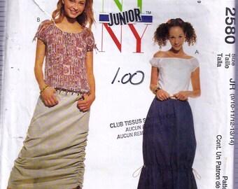 Junior's Tops and Skirts Pattern- Patron de Hauts et jupes pour junior - McCall's no 2580