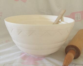 Vintage Emruss Plastic Mixing Bowls
