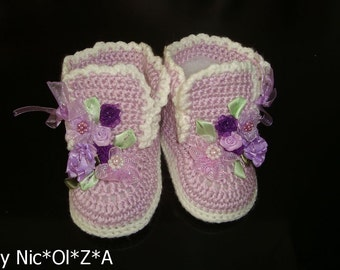 Newborn BABY Girl Handmade Crochet FLORAL APPLIQUE Lilac Shoes Booties Boots Warm crochet booties Winter baby shoes baby shower gift