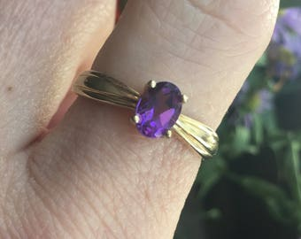 Vintage 10k Gold Synthetic Amethyst Ring size 8