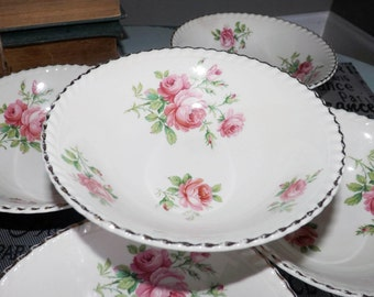 Almost antique (c.1920s) Johnson Brothers Old English Miniver Rose cereal, or salad bowl. Gold gadroon edge, pink roses, greenery.