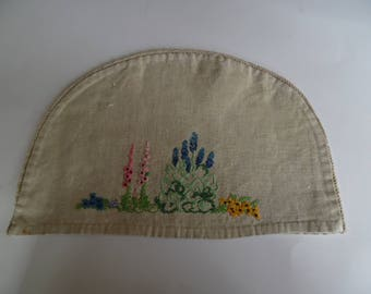 Vintage Hand Embroidered Linen Teapot Cover. Linen Tea Cosy. Small Teapot cover.