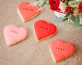 Saint-Valentin Biscuits, biscuits loveheart, cadeau personnalisé Saint-Valentin, j'aime vous cadeau, lovehearts, cadeau pour les biscuits de petit ami, rouge,
