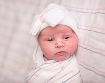 White and pink hospital hat, infant baby hat, newborn beanie, baby hospital hat, baby hat, newborn bow hat, hospital bow hat, girl beanie