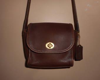 VINTAGE COACH  Brown Leather Shoulder Bag #C7D-9018 USA