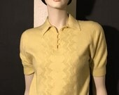 Vintage 1950s Pale Yellow Short Sleeve Lambswool Pullover with Collar and Buttons