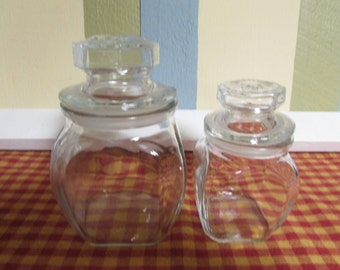 Two Apothecary Jar With Lid / VINTAGE 2 jars with lids apothecary / VTG Kig Indonisia Storage Jar glass jars