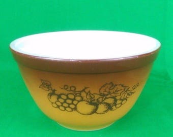 Vintage PYREX Old Orchard 401 Mixing Bowl 1 1/2 PT