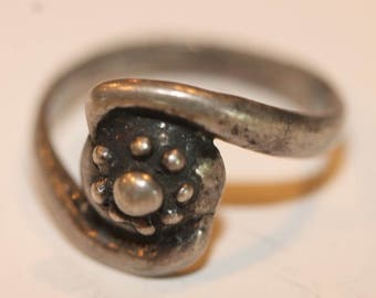 Vintage sterling silver round beaded top wrap type ring size 6.75