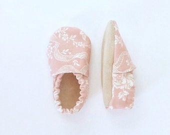 Lacey: Pink Baby Girl Booties with Ivory Lace Print