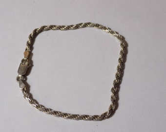 Beautiful sterling silver rope bracelet 7 inches long