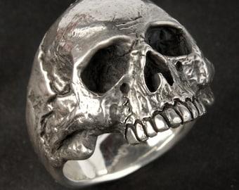 Skull Ring, Small-Medium size, Silver Skull Ring, Mens or Women's skull ring