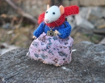 Traveler mouse Miniature animal Stuffed animal Needle felted animal soft sculpture Fairy tale animal Felt mouse Tiny mice