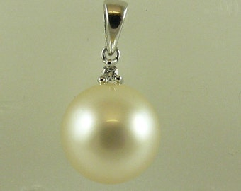 South Sea White 10.4 mm Pearl Pendant 14K White Gold With Diamonds 0.02ct