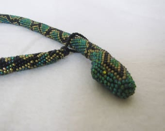 Snake necklace beaded rope, Emerald green Snake necklace, Necklace snake skin print, beaded crochet Snake, Snake Beaded necklace rope Snake