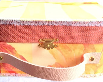 Decorated suitcase/retro/vintage/cardboard/made-hand/suitcase / cardboard recycled/orange/lace/gift / storage box / jewelry box