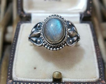 Vintage 925 sterling silver ring,ethnic,labradorite gemstone, size o