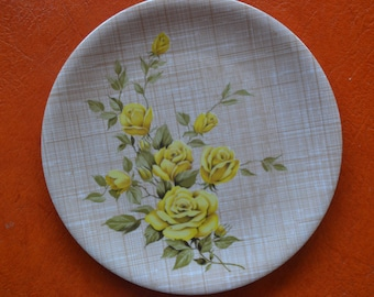 VINTAGE Ornamin Ware Melmac Sandwich Plate // Picnic Plate // Yellow Roses // Collectible