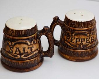 Vintage Hand Painted World Gift Japan Western Wood Grain Salt and Pepper Shakers