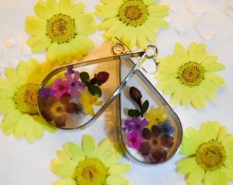 Flower Earrings;Floral;Resin;Unique Earrings;Gifts For Her;Gifts;Flower Earrings;Dangle Earring;Resin Jewelry;Earrings;Wedding Earrings;Gift