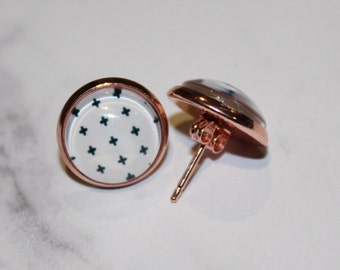 Black & White Cross Pattern Round Glass Cabochon Copper Tone Stud Earrings 12mm