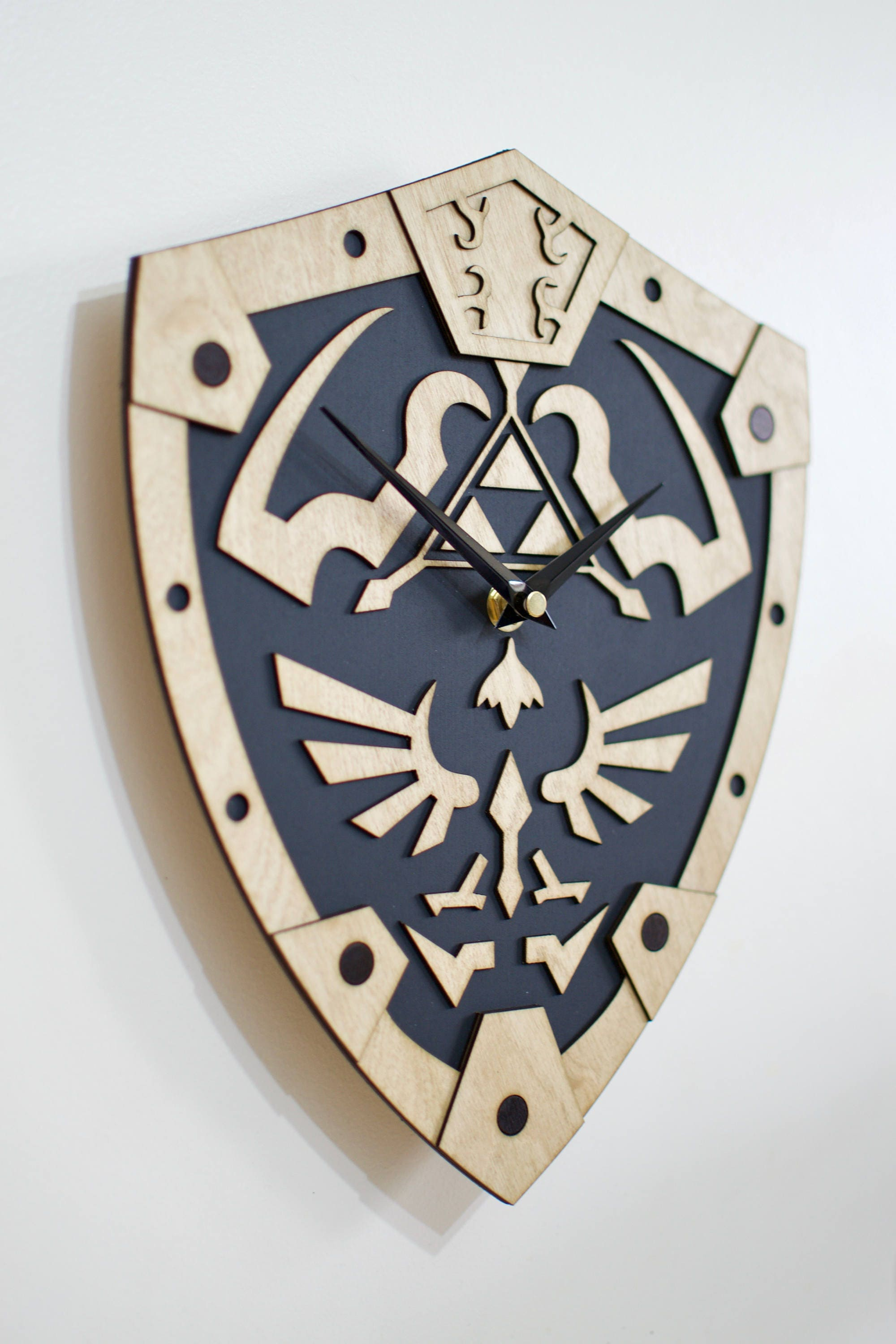 The Legend Of Zelda Inspired Wall Clock Hylian Shield