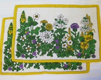 Vintage Floral Printed 1970s Linen Placemats or Tray Cloths, Never Used