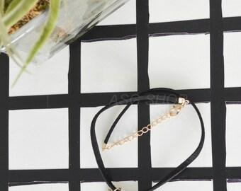 Minimalist Triangle Geometric Choker Necklace