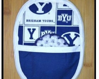 Sports potholder mitt with matching scrubbie (Brigham Young University)