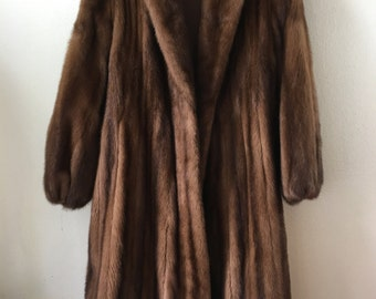 Beautiful Brown Long Genuine Mink Fur Coat, Shiny Velvet And Furry Collar Woman Size Medium.