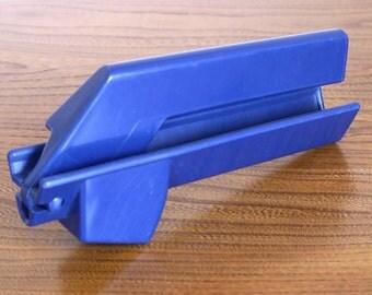Danish design Garlic press, Vintage blue Plastic Garlic Press Made In Denmark Kitchen Utensil Gadget MCM