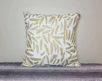 Metallic Feather print cushion cover, metallic pillow cover, metallic gold feather, gold feather, 18inch, pilloa sham, decorative pillow