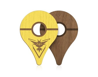 POKEWARES® Shield for Pokemon GO Plus *COMBO Pack*   Instinct Yellow + Walnut   The Original Real Wood Cover Skin for Nintendo Accessory