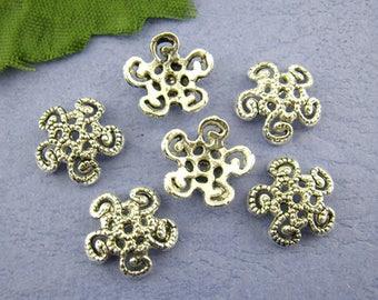 40 Antique Silver Flower Bead Caps 12mm (B172m)