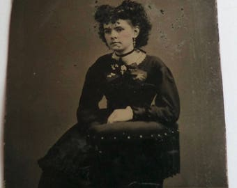 Tintype Photo Pretty Young Woman Victorian Accessories