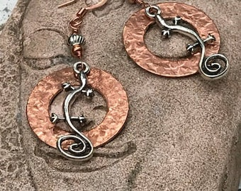 Lizard earrings, hammered copper earrings, copper jewelry, copper earrings, wire wrapped earrings, wire wrapped jewelry