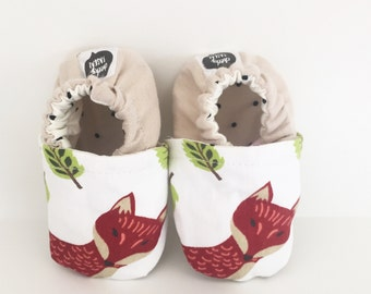 Machine-washable red fox baby shoes | crib or pram shoe, soft-soled bootie | linen heel