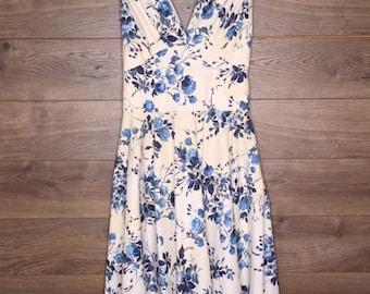 Vintage Blue Flower Dress [0095]