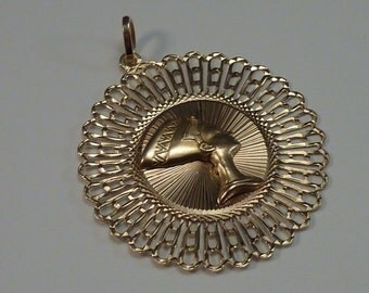 "14K Yellow Gold Filigree ""Nefertiti"" Pendant"