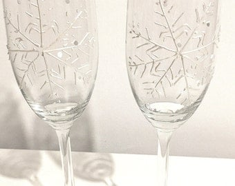 Snowflake prosecco glasses, hand painted, snowflake champagne flutes, Christmas wedding, snow, winter wedding, set of 2 prosecco glasses