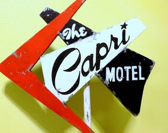 Old Motel Sign,  Retro hand painted MINI HANDMADE sign. Vintage sign. Distressed sign. Tabletop Wood sign rustic, handpainted.