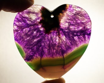 Amazing, black pink Agate pendant stone (E101)