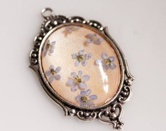 Pendant, forget-me-not, resin