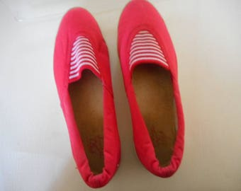 Women's Red Tretorn Casual Slip-on Flats Shoes Size 7 M Medium with Red and White Striped Insert