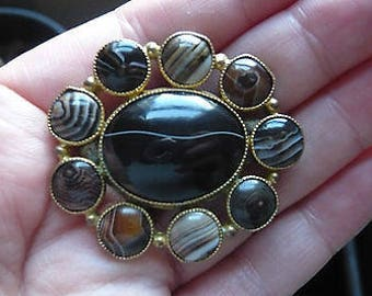 Antique Victorian Scottish Banded Agate and Gold Gilt Brooch
