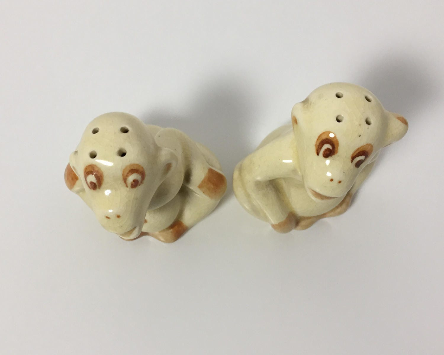 Vintage Novelty Chimpanzee Or Monkey Salt And Pepper